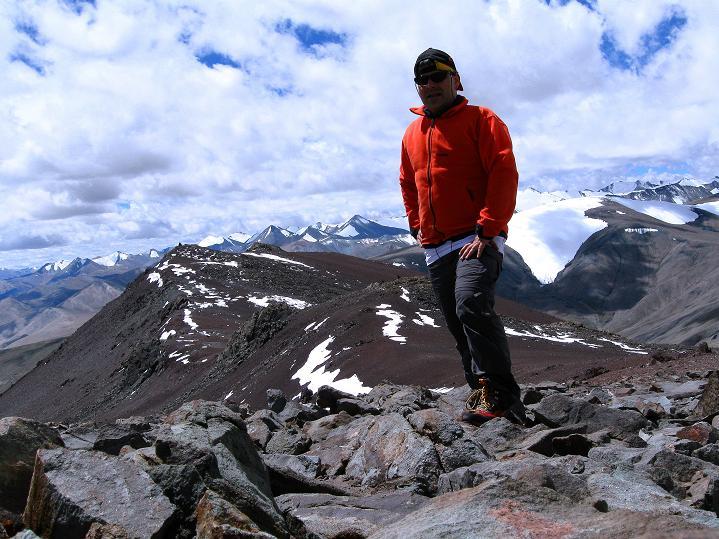 Foto: Andreas Koller / Wander Tour / Aussichtsgipfel Uatse Ri (5673m) / Gipfel des Uatse Ri / 23.09.2008 00:37:09