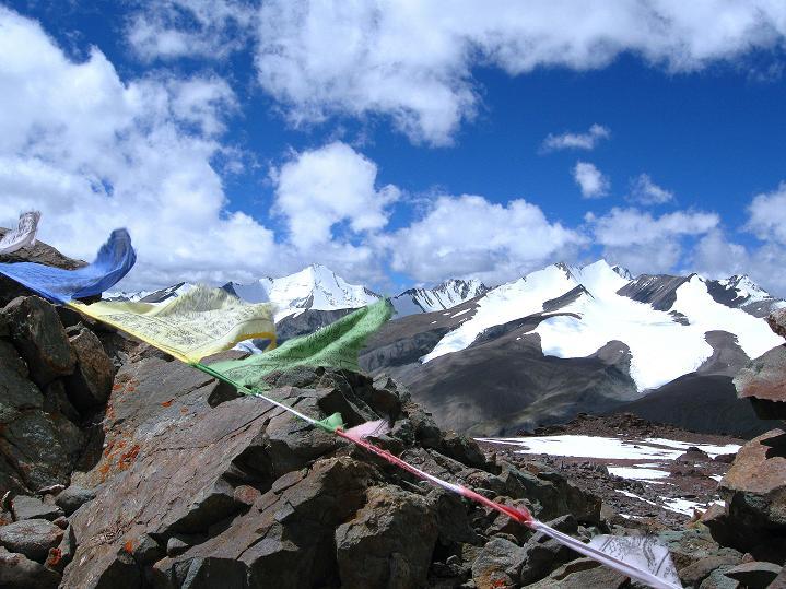 Foto: Andreas Koller / Wander Tour / Aussichtsgipfel Uatse Ri (5673m) / Blick vom Uatse Ri nach W auf die 6000er über Nimaling / 23.09.2008 00:36:10
