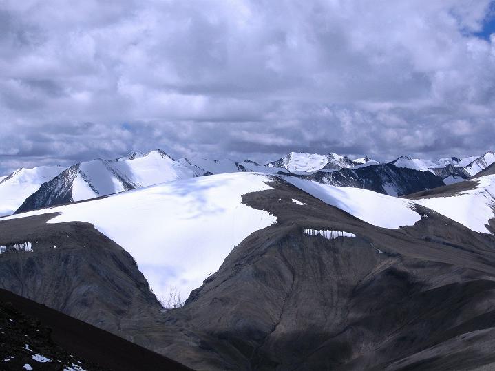 Foto: Andreas Koller / Wander Tour / Aussichtsgipfel Uatse Ri (5673m) / Weite Gletscherflächen / 23.09.2008 00:35:22