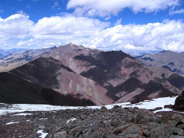 Foto: Andreas Koller / Wander Tour / Aussichtsgipfel Uatse Ri (5673m) / Blick in die Stok Kangri Gruppe / 23.09.2008 00:34:03