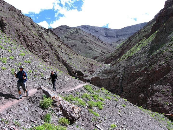 Foto: Andreas Koller / Wander Tour / Aussichtsgipfel Uatse Ri (5673m) / Abstieg vom Konmaru La / 22.09.2008 23:42:11