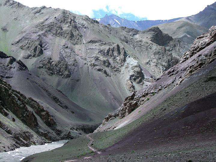 Foto: Andreas Koller / Wander Tour / Aussichtsgipfel Uatse Ri (5673m) / Das Tal von Sumdo / 22.09.2008 23:39:16