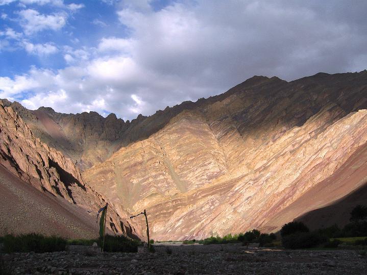 Foto: Andreas Koller / Wander Tour / Aussichtsgipfel Uatse Ri (5673m) / Im Tal von Sumdo / 22.09.2008 23:38:42