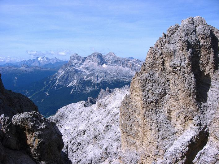 Foto: Andreas Koller / Klettersteig Tour / Ferrata Marino Bianchi - Cristallo di Mezzo (3167 m) / Blick zu den Tofanen (3244 m) und zur Marmolada (3343 m) / 23.09.2008 01:35:17
