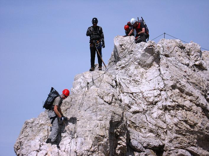 Foto: Andreas Koller / Klettersteig Tour / Ferrata Marino Bianchi - Cristallo di Mezzo (3167 m) / Der letzte Aufschwung vor dem Gipfelkreuz / 23.09.2008 01:25:21