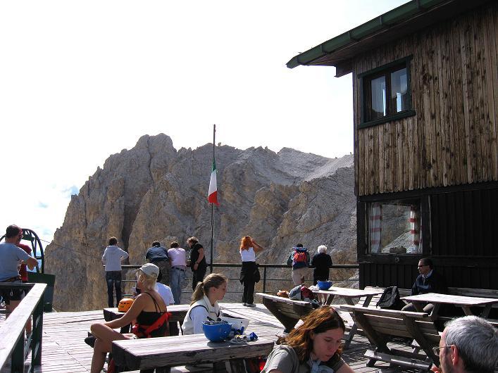 Foto: Andreas Koller / Klettersteig Tour / Ferrata Marino Bianchi - Cristallo di Mezzo (3167 m) / Zurück beim Rif. Guido Lorenzi / 23.09.2008 01:23:21