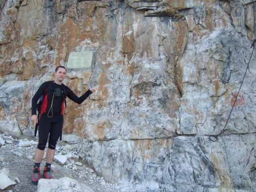 Foto: hofchri / Klettersteig Tour / Piz Boè (3152m), Via ferrata Cesare Piazzetta / der Einstieg / 03.10.2009 18:33:05