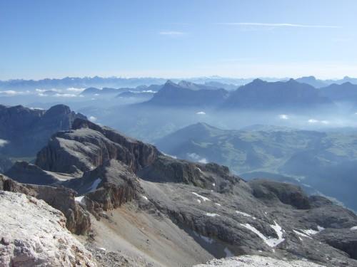 Foto: hofchri / Klettersteig Tour / Piz Boè (3152m), Via ferrata Cesare Piazzetta / fulminante Aussicht während des Aufstieges / 03.10.2009 18:35:56