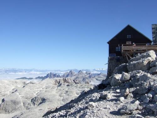 Foto: hofchri / Klettersteig Tour / Piz Boè (3152m), Via ferrata Cesare Piazzetta / Rif. Piz Boe - ausgesetzte Hütte / 03.10.2009 18:37:03