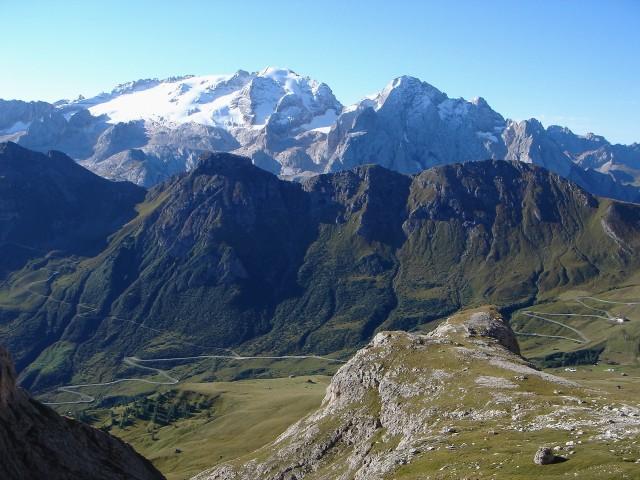 Foto: Manfred Karl / Klettersteig Tour / Piz Boè (3152m), Via ferrata Cesare Piazzetta / Ein schöner Anblick: Marmolada und Gran Vernel / 23.09.2008 19:27:59