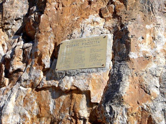 Foto: Manfred Karl / Klettersteig Tour / Piz Boè (3152m), Via ferrata Cesare Piazzetta / Einstiegstafel / 23.09.2008 19:27:22