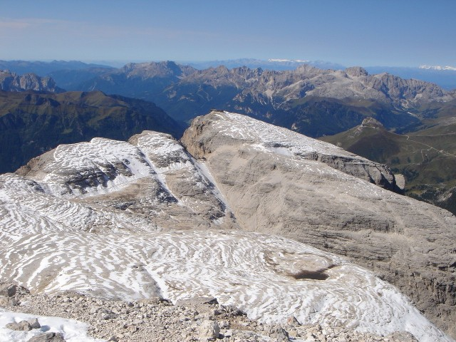 Foto: Manfred Karl / Klettersteig Tour / Piz Boè (3152m), Via ferrata Cesare Piazzetta / Blick zur Pordoispitze / 23.09.2008 19:23:16