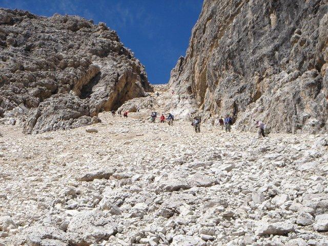 Foto: Manfred Karl / Klettersteig Tour / Piz Boè (3152m), Via ferrata Cesare Piazzetta / Abstieg durch die Gran Valacia / 23.09.2008 19:11:38