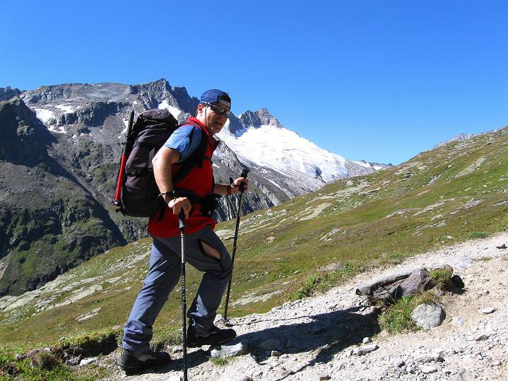 Foto: Andreas Koller / Wander Tour / Schwarze Wand und Hoher Zaun - stille Gipfeltour vom Defregger Haus (3507 m) / Großer Geiger (3360 m) im Anstieg zum Defregger Haus / 24.09.2008 00:06:59