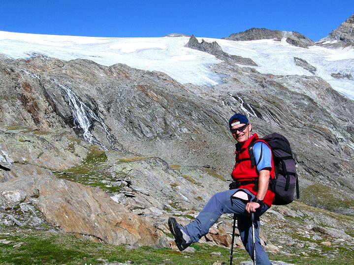 Foto: Andreas Koller / Wander Tour / Schwarze Wand und Hoher Zaun - stille Gipfeltour vom Defregger Haus (3507 m) / Anstieg zum Defregger Haus mit Äußerem Mullwitzkees / 24.09.2008 00:05:36