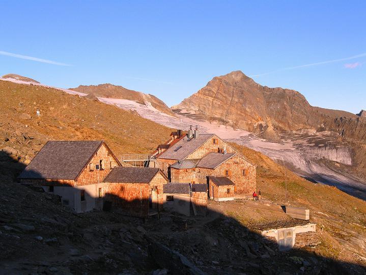 Foto: Andreas Koller / Wander Tour / Schwarze Wand und Hoher Zaun - stille Gipfeltour vom Defregger Haus (3507 m) / Defregger Haus bei Sonnenuntergang / 24.09.2008 00:03:36