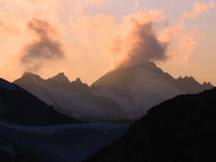 Foto: Andreas Koller / Wander Tour / Schwarze Wand und Hoher Zaun - stille Gipfeltour vom Defregger Haus (3507 m) / Schlieferspitze (3289 m) bei Sonnenuntergang / 24.09.2008 00:02:50