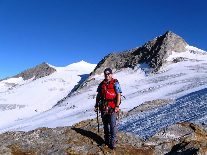 Foto: Andreas Koller / Wander Tour / Schwarze Wand und Hoher Zaun - stille Gipfeltour vom Defregger Haus (3507 m) / Am Mullwitz Aderl mit Blick zum Großvenediger (3674 m) und Rainer Horn (3560 m) / 24.09.2008 00:01:20