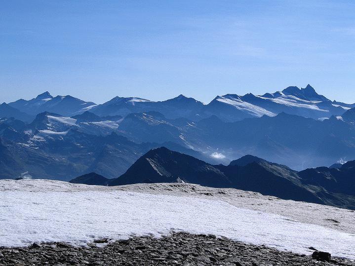 Foto: Andreas Koller / Wander Tour / Schwarze Wand und Hoher Zaun - stille Gipfeltour vom Defregger Haus (3507 m) / Blick vom Hohen Zaun zum Großglockner (3798 m) / 23.09.2008 23:59:31