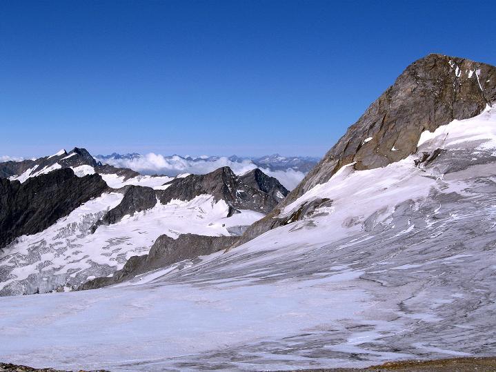 Foto: Andreas Koller / Wander Tour / Schwarze Wand und Hoher Zaun - stille Gipfeltour vom Defregger Haus (3507 m) / Blick am Rainerhorn vorbei zu den Simonyspitzen (3488 m) und zur Dreiherrenspitze (3499 m) / 23.09.2008 23:57:45