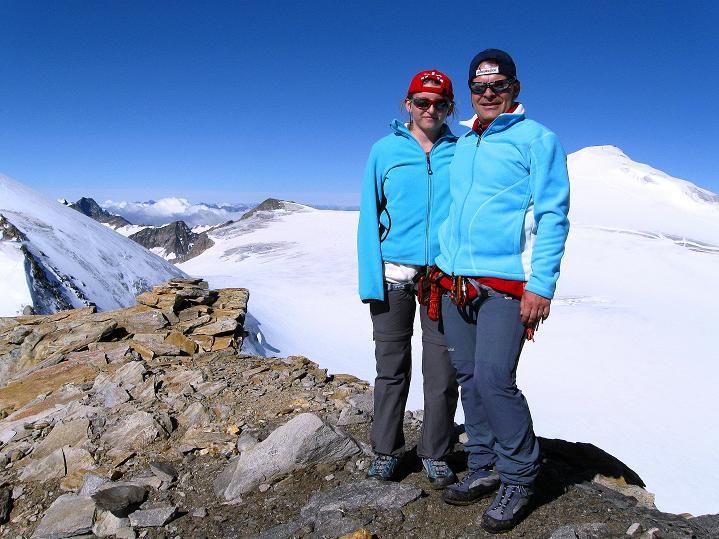 Foto: Andreas Koller / Wander Tour / Schwarze Wand und Hoher Zaun - stille Gipfeltour vom Defregger Haus (3507 m) / Gemeinsam auf der Schwarzen Wand mit Blick zum Großvenediger (3674 m) / 23.09.2008 23:54:48