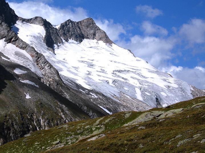 Foto: Andreas Koller / Wander Tour / Schwarze Wand und Hoher Zaun - stille Gipfeltour vom Defregger Haus (3507 m) / Blick auf den Großen Geiger (3360 m) / 23.09.2008 23:50:34