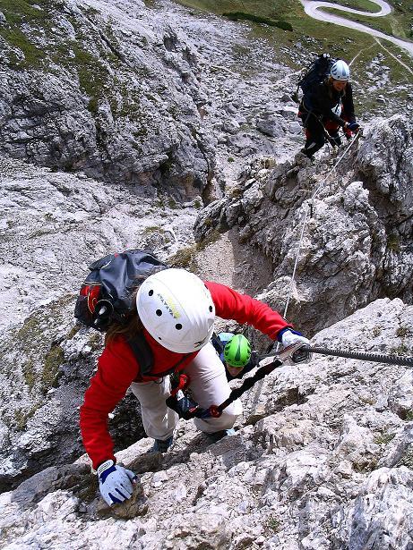 Foto: Andreas Koller / Klettersteig Tour / Ferrata Cir V (2520m) / Im unteren Teil der steilen SO-Flanke / 24.09.2008 00:46:42