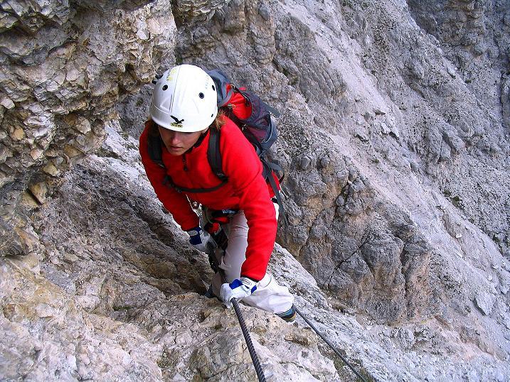 Foto: Andreas Koller / Klettersteig Tour / Ferrata Cir V (2520m) / Sehr steile, exponierte Passage / 24.09.2008 00:45:44