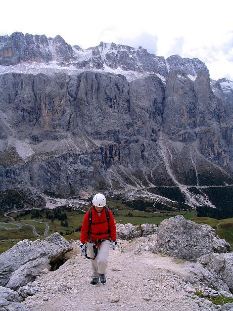 Foto: Andreas Koller / Klettersteig Tour / Ferrata Cir V (2520m) / Kurz Gehgelände am S-Grat / 24.09.2008 00:43:46