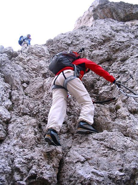 Foto: Andreas Koller / Klettersteig Tour / Ferrata Cir V (2520m) / Abstieg in die schuttige Abstiegsrinne / 24.09.2008 00:40:43