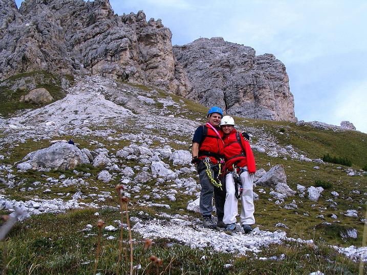 Foto: Andreas Koller / Klettersteig Tour / Ferrata Cir V (2520m) / Zurück in Jochnähe mit Blick auf die Große Tschirspitze (2592 m) / 24.09.2008 00:38:44