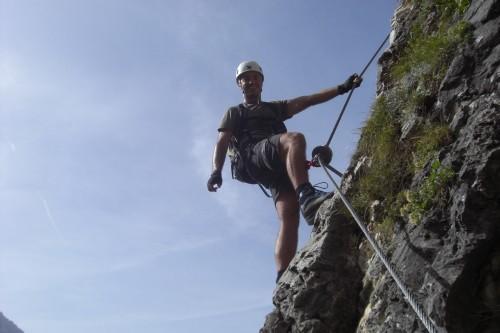 Foto: hofchri / Klettersteig Tour / Ferrata Cir V (2520m) / luftiger Abstieg vom kleinen Gipfelbereich (C) / 14.02.2009 17:38:27