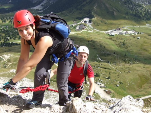 Foto: hofchri / Klettersteig Tour / Ferrata Cir V (2520m) / hoch oberhalb des Grödner Jochs / 14.02.2009 17:35:21