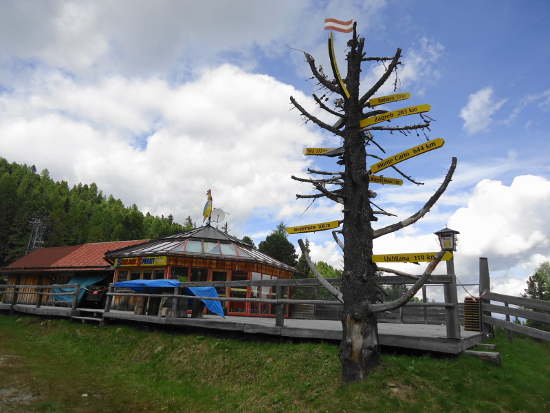 Foto: Günter Siegl / Wander Tour / 7 Gipfel Wanderung / Schluck-Specht-Hütte / 31.08.2014 21:15:22