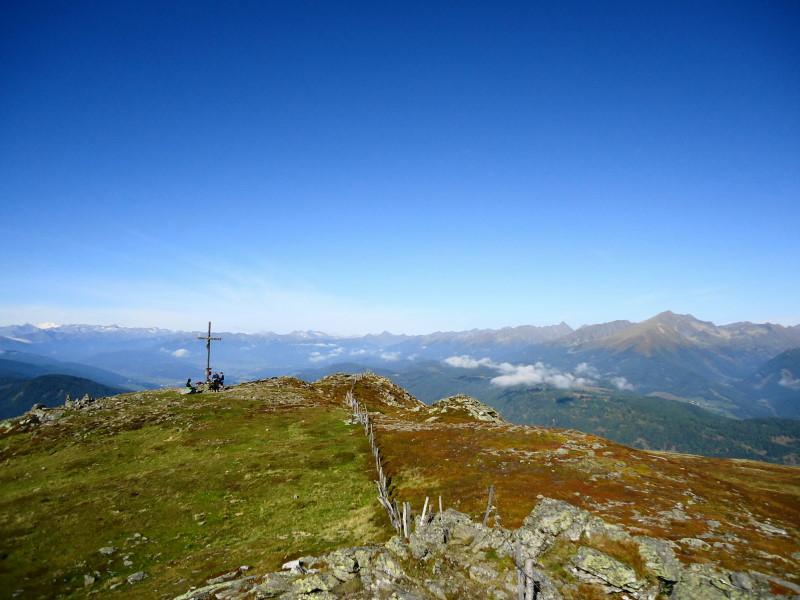 Foto: Günter Siegl / Wander Tour / Gstoder (von Seebach) / Das Gipfelkreuz befindet sich nicht ganz am höchsten Punkt / 23.09.2014 21:15:35