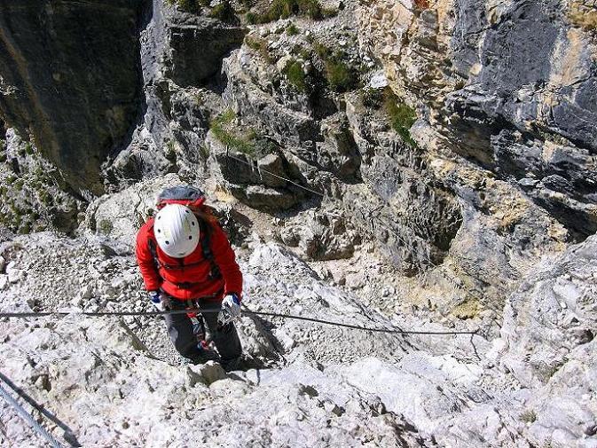Foto: Andreas Koller / Klettersteig Tour / Piz da Lech (2910m): Südkar-Anstieg oder Klettersteig / Eine erste steile und ausgesetzte Felsstufe / 25.09.2008 20:18:47