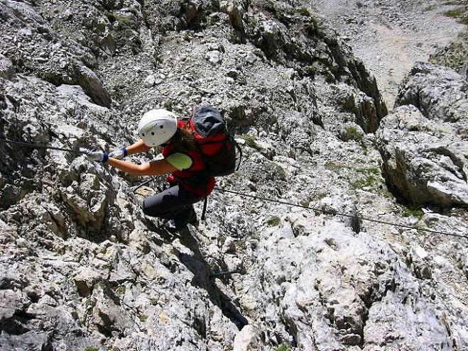 Foto: Andreas Koller / Klettersteig Tour / Piz da Lech (2910m): Südkar-Anstieg oder Klettersteig / Steil abfallende Passage in der S-Wand / 25.09.2008 20:16:36