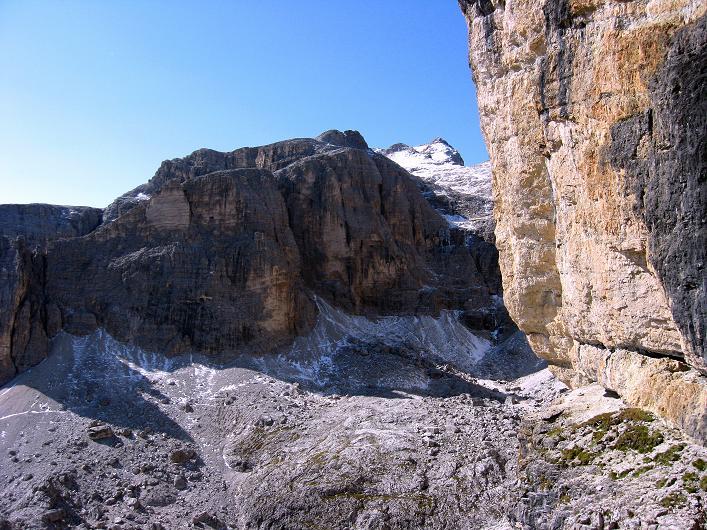 Foto: Andreas Koller / Klettersteig Tour / Piz da Lech (2910m): Südkar-Anstieg oder Klettersteig / Blick aus der Wand zum Vallon-Klettersteig (im Schatten) / 25.09.2008 20:13:22
