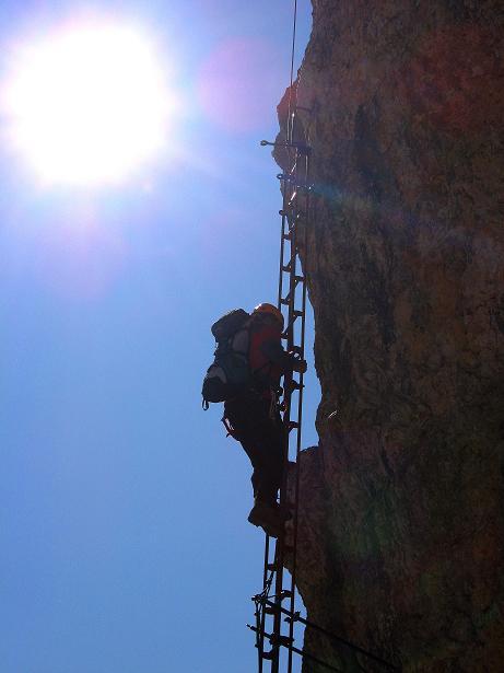 Foto: Andreas Koller / Klettersteig Tour / Piz da Lech (2910m): Südkar-Anstieg oder Klettersteig / Sehr exponiert die Leiternpassage / 25.09.2008 20:11:14