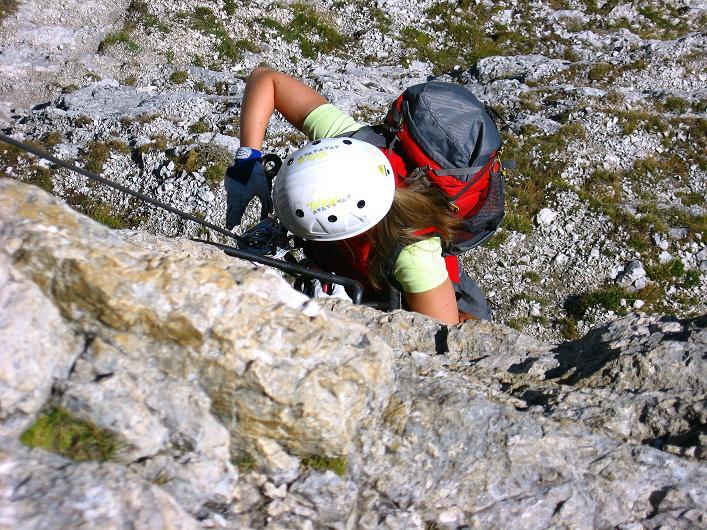 Foto: Andreas Koller / Klettersteig Tour / Piz da Lech (2910m): Südkar-Anstieg oder Klettersteig / Blick in die senkrechte Leiter / 25.09.2008 20:10:38