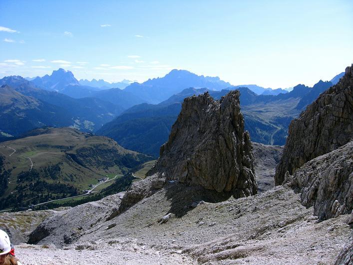 Foto: Andreas Koller / Klettersteig Tour / Piz da Lech (2910m): Südkar-Anstieg oder Klettersteig / Blick aus der Südrinne über das Südkar hinweg nach S / 25.09.2008 20:09:26