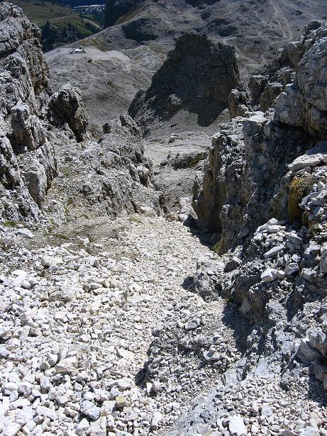 Foto: Andreas Koller / Klettersteig Tour / Piz da Lech (2910m): Südkar-Anstieg oder Klettersteig / Die steile Anstiegsrinne aus dem Südkar / 25.09.2008 20:08:38