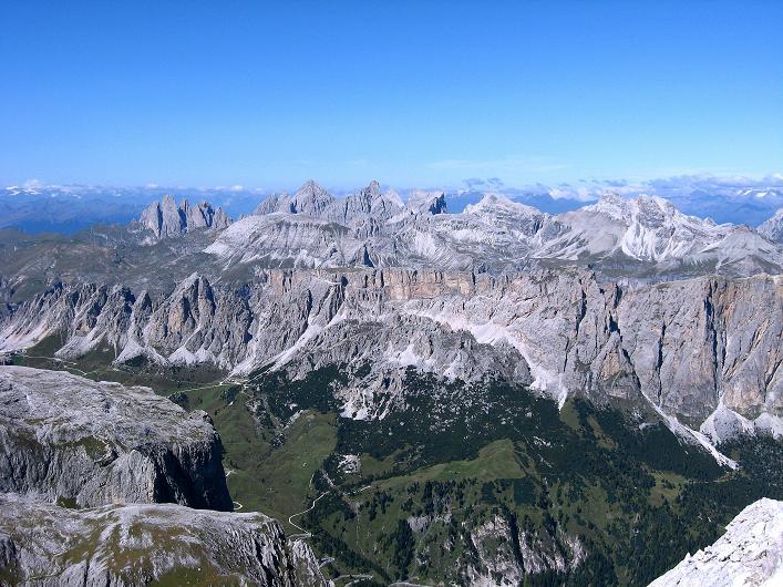 Foto: Andreas Koller / Klettersteig Tour / Piz da Lech (2910m): Südkar-Anstieg oder Klettersteig / Blick Richtung Grödner Joch mit Cirspitzen (2592 m) und Geislerspitze (3025 m) / 25.09.2008 20:06:48