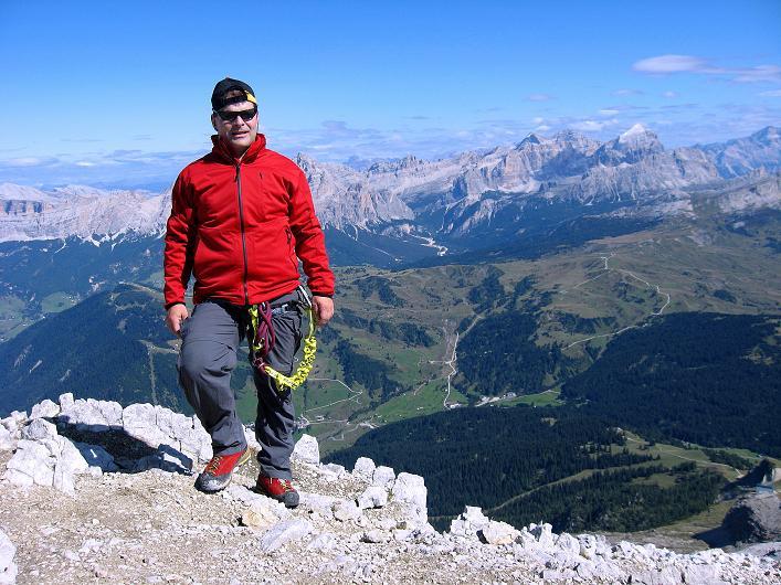 Foto: Andreas Koller / Klettersteig Tour / Piz da Lech (2910m): Südkar-Anstieg oder Klettersteig / Blick vom Gipfel nach NO über Corvara hinweg / 25.09.2008 20:05:40