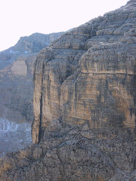 Foto: Andreas Koller / Klettersteig Tour / Piz da Lech (2910m): Südkar-Anstieg oder Klettersteig / Blick auf die senkrechte Wand, durch die die Leitern ziehen / 25.09.2008 20:03:13