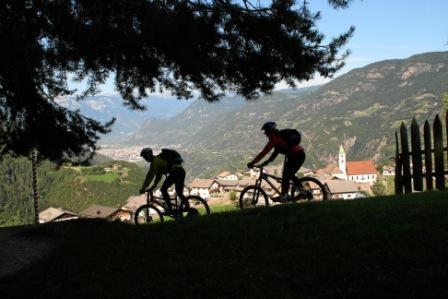 Foto: Rosengarten-Latemar / Mountainbike Tour / Kleine Eggentalumrundung / 27.10.2008 16:46:20