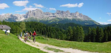 Foto: Rosengarten-Latemar / Mountainbike Tour / Schillertour / Panorama Schillerhof / 27.10.2008 16:34:05