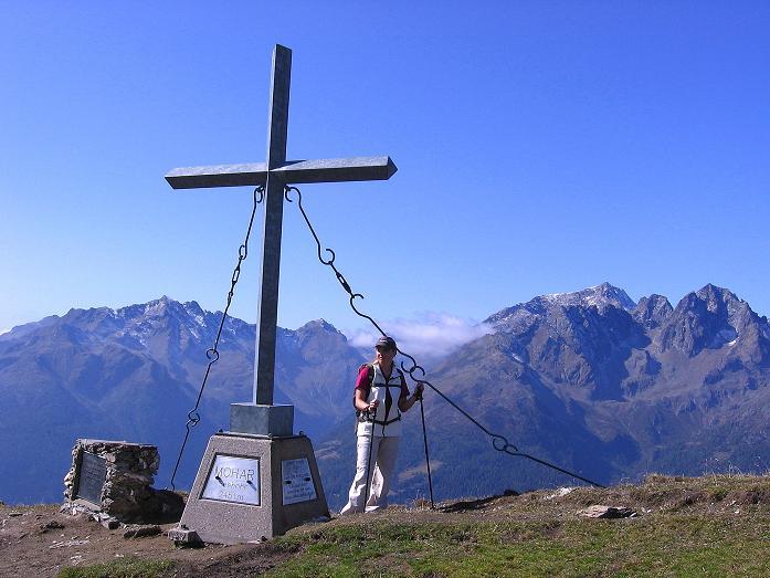 Foto: Andreas Koller / Wander Tour / Vom Glocknerblick auf den Mohar (2604m) / Beim Mohar-Kreuz mit gutem Ausblick in die Schobergruppe / 30.09.2008 22:44:19
