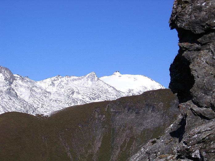 Foto: Andreas Koller / Wander Tour / Vom Glocknerblick auf den Mohar (2604m) / Der Sonnblick grüßt im N (3106 m) / 30.09.2008 22:42:32