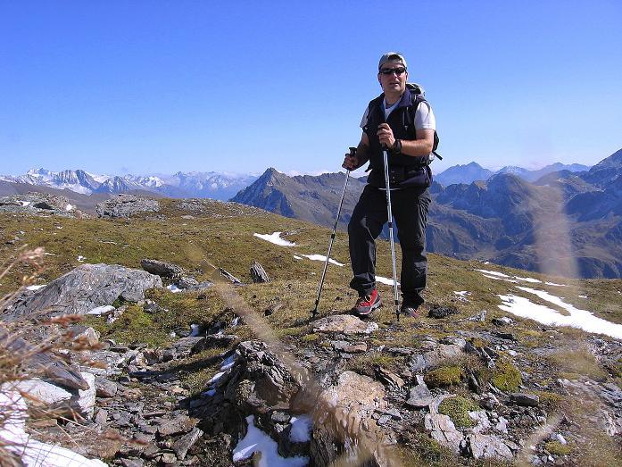 Foto: Andreas Koller / Wander Tour / Vom Glocknerblick auf den Mohar (2604m) / Knapp unter dem Gipfel mit Hochalmspitze (3360 m) im O / 30.09.2008 22:40:50